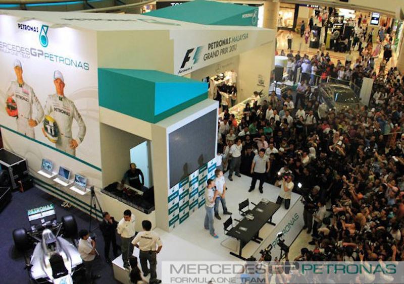 Petronas GP 2011 (Centre Court Suria KLCC)